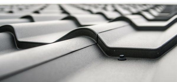 tagplader i sort materiale